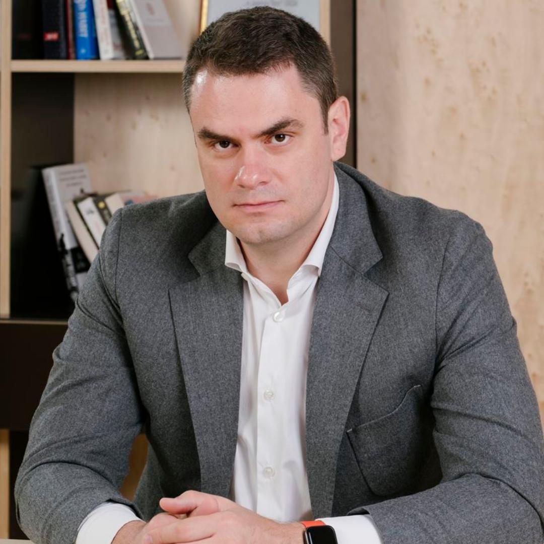 Илия Кръстев